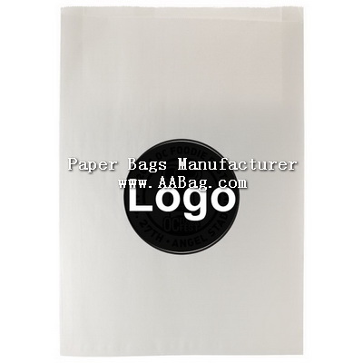 White Flat Kraft Paper Merchandise Bags with Custom Logo
